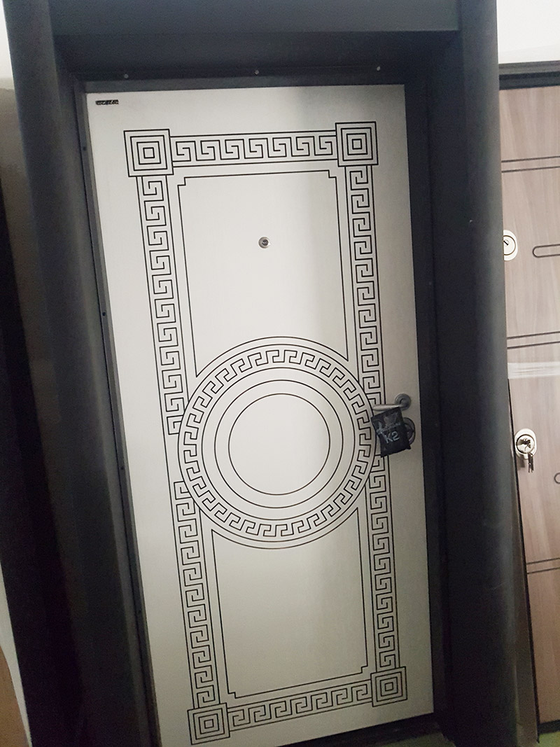 бяла евтина врата в софия